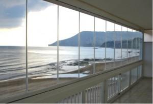 Móntate un espacio de lujo en tu balcón