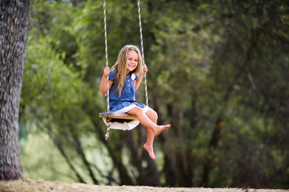 Construye tu propio parque de juegos para niños en tu jardín