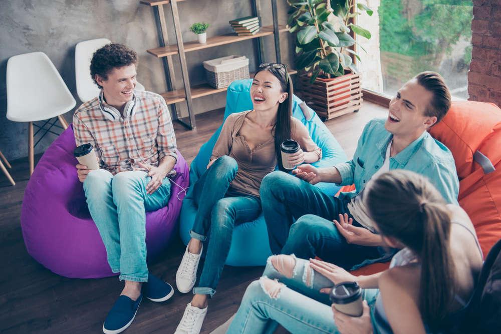 Ser sociable con los demás aporta nuevas experiencias