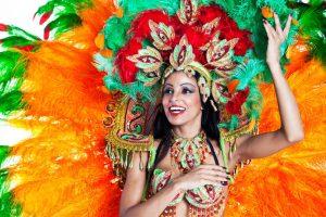 Comparsas y disfraces: la tradición de los carnavales en España